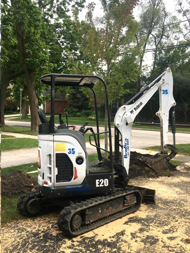 Where to find EXCAVATOR  7    4,300 LB in Chicago